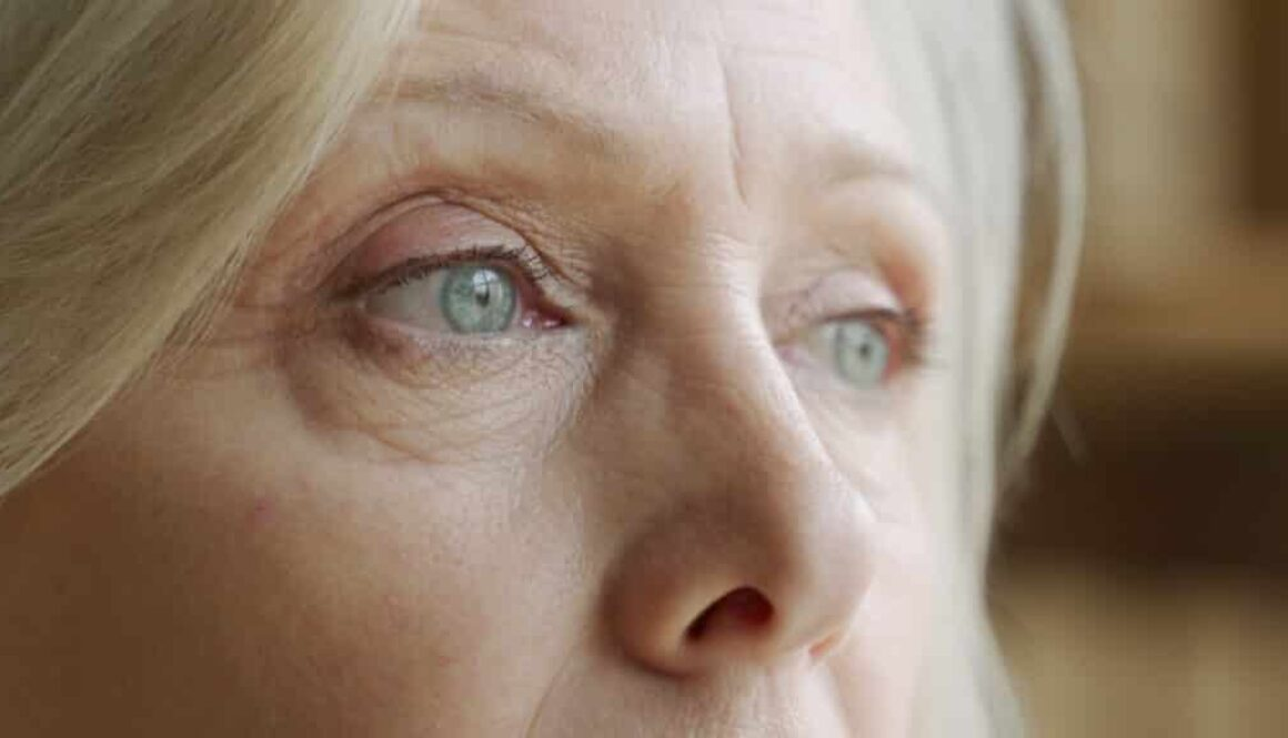 wrinkled eyelids